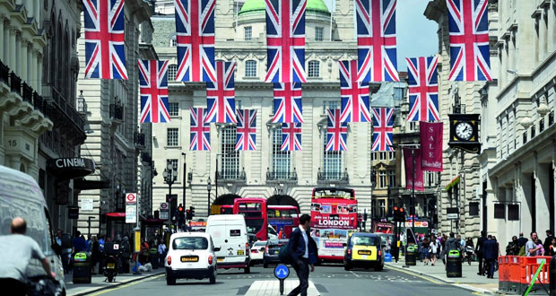 المفوضية الأوروبية تطالب بريطانيا بتوضيح موقفها إزاء الاتحاد