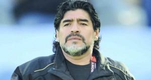 مارادونا يحث ميسي على التراجع عن الاعتزال دوليا