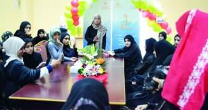 اللجنة الشبابية بنادي نـزوى تنظم عددا من الأنشطة للفتيات