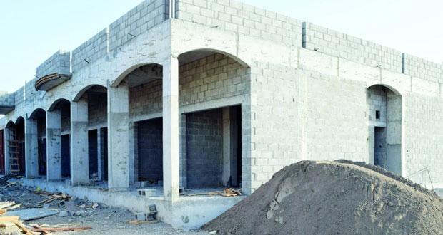تواصل الأعمال الإنشائية لمشاريع المباني الاستثمارية لأندية صحار والسلام ومجيس