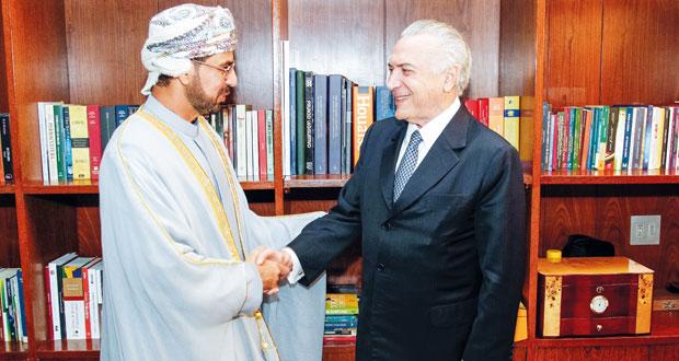 الرئيس البرازيلي يستقبل سفير السلطنة