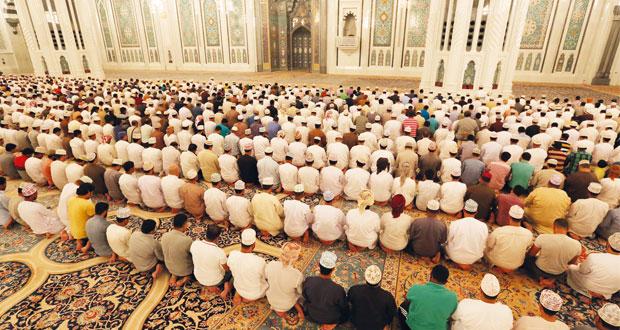 السلطنة تبدأ صيام شهر رمضان
