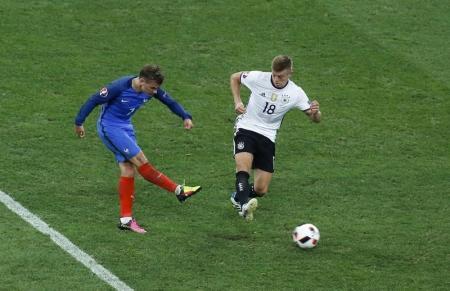 يورو 2016: فرنسا الى نهائي البطولة بثنائية جيرزمان