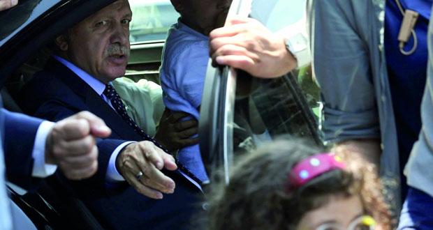 تركيا تحتوي محاولة إنقلابية والحكومة تعلن السيطرة الكاملة ..