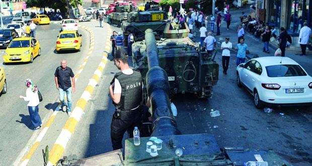 أنقرة تعلن انتهاء محاولة الانقلاب ومقتل 161 واعتقال عسكريين