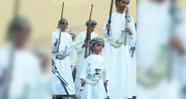 """""""فريق الولاء للفنون الشعبية"""" .. إبراز لمفهوم الفنون العمانية التقليدية"""