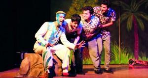 """فرقة مسرح الدن تستعد لعرض """"جزيرة الأماني"""" ثالث أيام العيد في سمائل"""