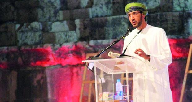 عبدالله العريمي يضيء ليالي الشعر العربي في مهرجان صور الدولي