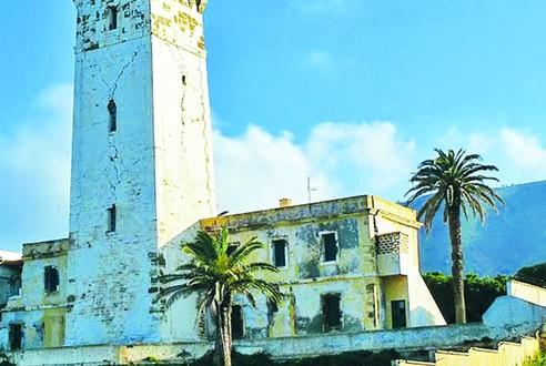 """منارة """"بنقوت""""، ومدينة زموري البحري الأثرية الجزائرية في قائمة التراث الثقافي المحمي"""