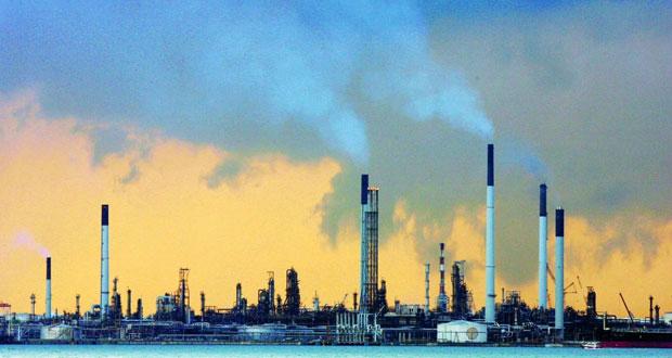 نفط عمان ينخفض 48 سنتا .. والخام العالمي يهبط بفعل إشارات التباطؤ الاقتصادي