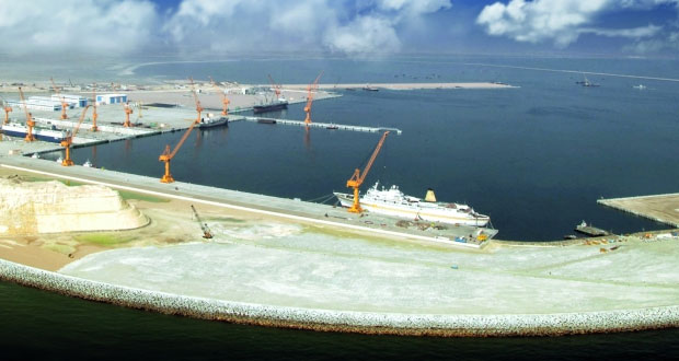 """تنفيذ 1100 مشروع في """"الخمسية الثامنة"""" .. والإنفاق يتجاوز 67.1 مليار ريال عماني"""