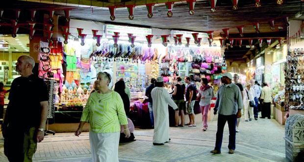 """""""سوق النور"""" بمطرح ينتظر حلا لحرارة الصيف في طرقاته و تسمية أزقته"""