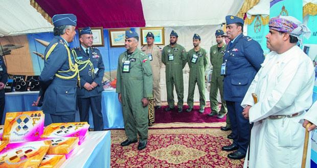 قائد سلاح الجو يزور المعرض الدولي للطيران بالمملكة المتحدة