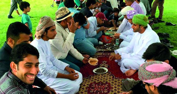 الطلبة العمانيون بمدينة كوفنتري بالمملكة المتحدة يحتفلون بعيد الفطر