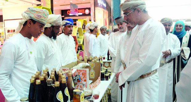 افتتاح سوق العسل العماني السادس بمشاركة 59 نحالاً و3 مؤسسات متخصصة