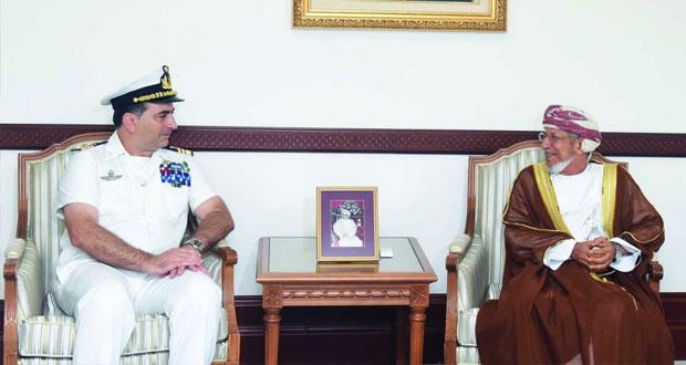 نائب محافظ مسقط يستقبل قائد سفينة حربية إيطالية