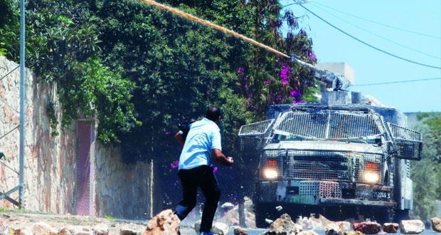 قوات الاحتلال تشن حملات دهم واعتقال في الأراضي الفلسطينية