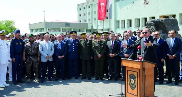 تركيا: الجيش يحيل 48 جنرالا للتقاعد ويصعد 99 ضابطا ويبقي على القيادات