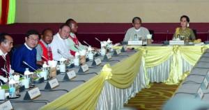 أكبر جماعتي تمرد في ميانمار تشاركان في مؤتمر السلام الشهر المقبل