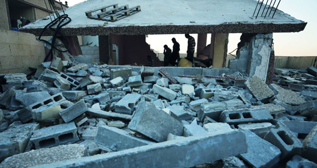 الاحتلال يصعد عدوانه بالضفة المحتلة ويواصل حصار خليلها