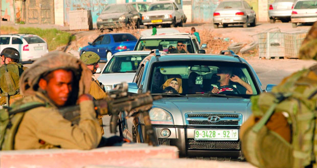 الخليل تحت وطأة الحصار والرصاص .. والاحتلال يواصل قمعه للفلسطينيين بالأراضي المحتلة