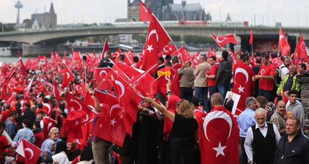 تركيا: مرسوم بإعادة تشكيل (العسكري الأعلى) وتسريح حوالي 1400 من الجيش