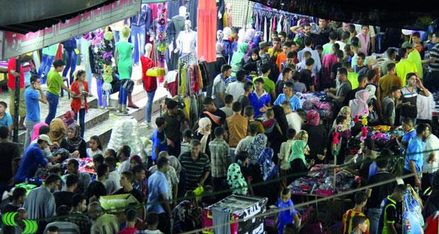 انتعاش حركة البيع والشراء بالأسواق الفلسطينية في ثاني أيام العيد