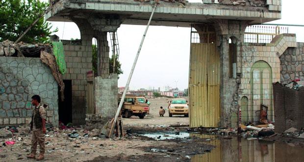 اليمن : الجيش يطهر معسكر الصولبان من (القاعدة)