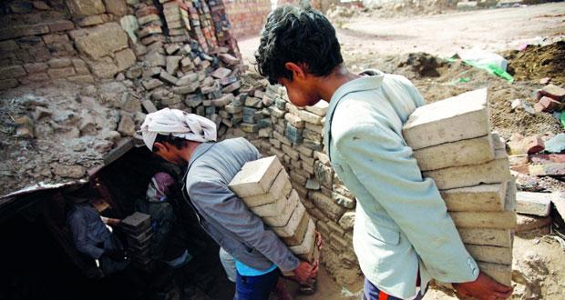 اليمن : مدفعية التحالف تقصف الحوثيين بضراوة وقوات هادي تسيطر على مناطق استراتيجية بتعز
