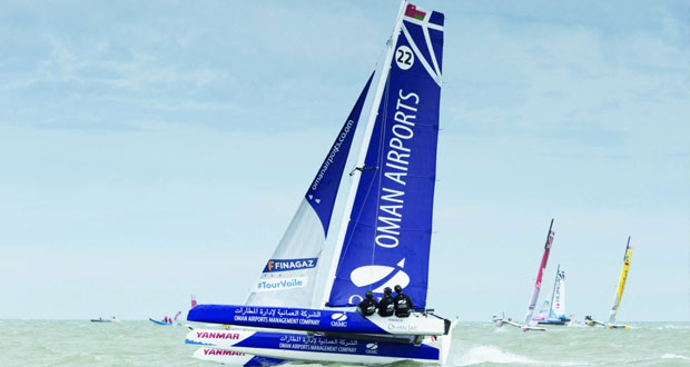 قارب العُمانية لإدارة المطارات المدعوم من عُمان للإبحار يحجز لنفسه مركزًا مع العشرة الأوائل