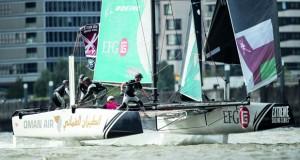 قارب الطيران العُماني يقطع خطوة هامة ويواصل صدارته وسط منافسة من الفرق الأخرى