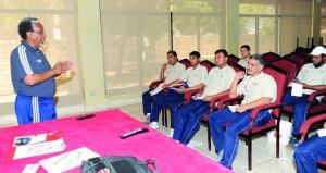 اتحاد الكرة يستعرض برامج التطوير والتدريب للكوادر الفنية المختلفة