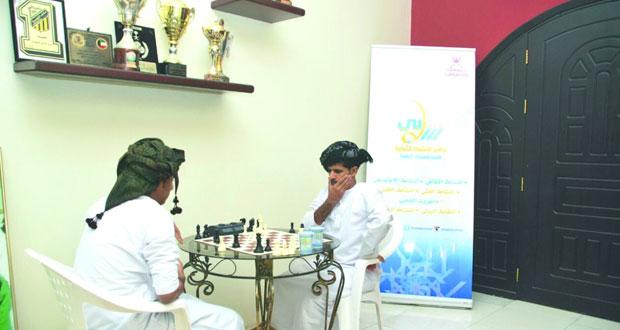 عبدالحكيم العمري يفوز ببطولة الشطرنج بنادي ظفار