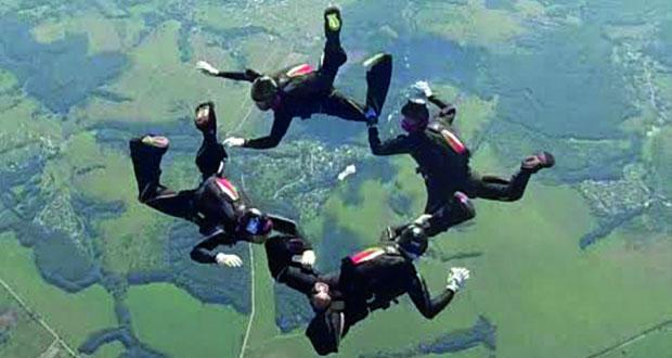 في بطولة العالم العسكرية السيزم 2016 .. الفريق الوطني للقفز الحر يحقق رقما قياسيا عالميا