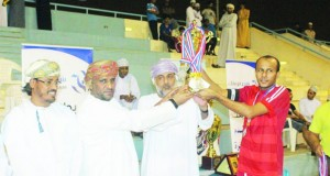 فريق الهلال يتوج بطلا لمسابقة شجع فريقك بنادي صلالة