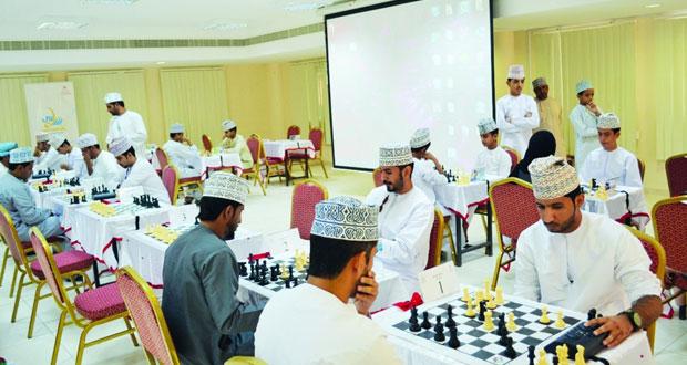 مصطفى الريامي يفوز بمسابقة الشطرنج على مستوى محافظة الداخلية