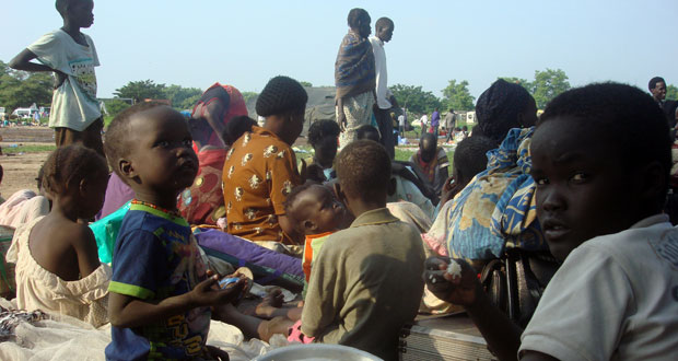 جنوب السودان: طرفا النزاع يتبادلان دعوات وقف النار بعد مئات القتلى