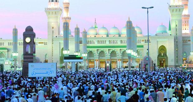 مليون مصل يؤدون صلاة العيد في المسجد النبوي الشريف