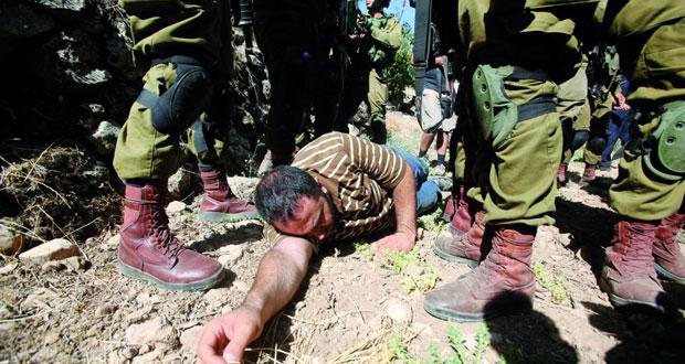 الاحتلال يفتح النار على الفلسطينيين بغزة