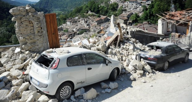 ارتفاع حصيلة قتلى زلازل ايطاليا إلى 250