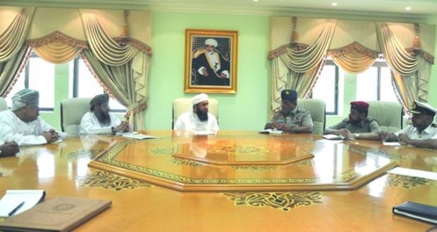 رئيس بعثة الحج العمانية يلتقي قائد بعثة الحج العسكرية العمانية