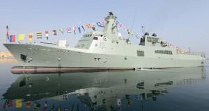 """البحرية السلطانية العمانية تحتفل بانضمام السفينة """"خصب"""" لأسطولها البحري"""