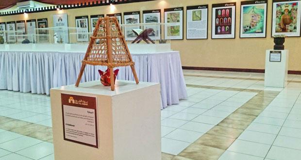 """بيت الزبير يقيم معرض """"التقاليد المعمارية في ظفار"""" بمهرجان صلالة السياحي"""