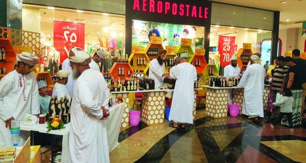125 ألف ريال عماني حصيلة مبيعات سوق العسل العماني السادس
