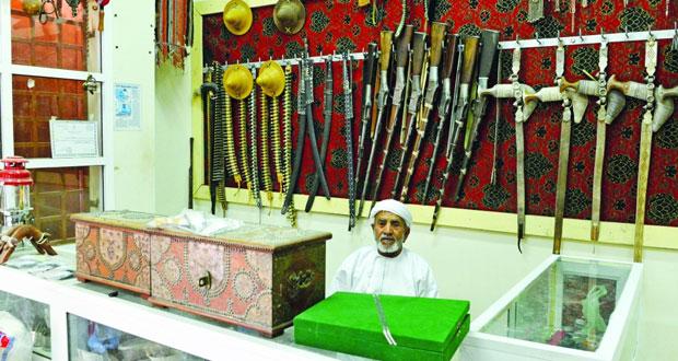 أسواق الرستاق الشعبية .. معالم تجارية وسياحية تنشط على مدار العام