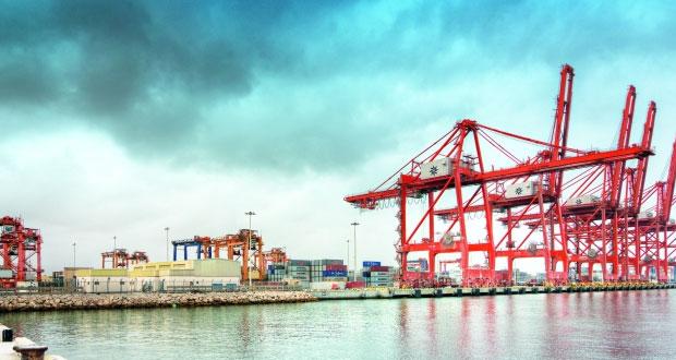 ميناء صلالة يدشن برنامج الشـراكة للتبادل المعرفي للمحطات التجارية مع شـركة نافيس