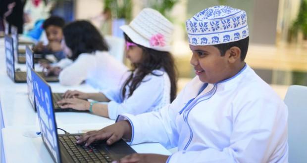 """مبادرة """"ساعة البرمجة"""" من عمانتل تحظى بتفاعل كبير من المشاركين"""