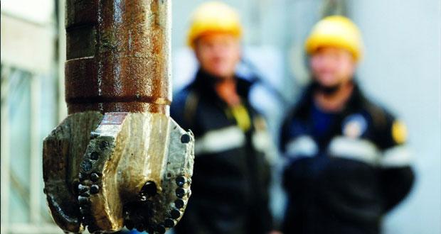 نفط عمان يرتفع بمقدار دولارين و40 سنتًا والأسعار العالمية تصعد نتيجة أنباء لتحركات المصدرين لتحقيق استقرار السوق