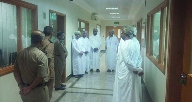 مجلس الشؤون الإدارية للقضاء ينظم زيارات إلى مديريات شرطة عمان السلطانية