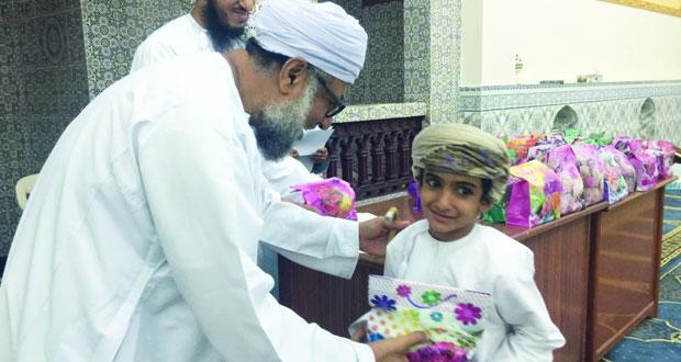 فريق الطليعة بنادي بهلا يختتم دورة أحباب القرآن الكريم بمسجد السحابيات